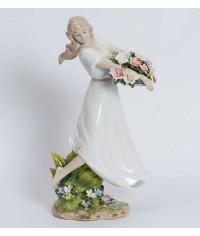 "Статуэтка ""Девушка с цветами"" (Pavone)"